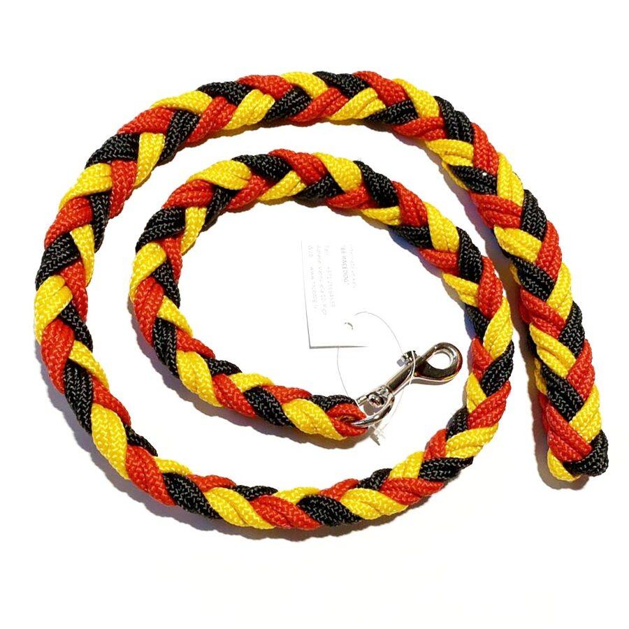 UGA pītā pavada, melns-sarkans-dzeltens (1:1:1)